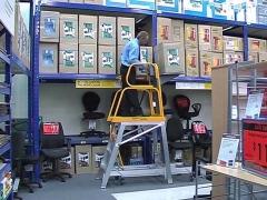 StockMaster Lift-Truk order picking ladder - commencing goods lowering